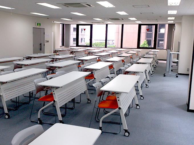 広々と使える名古屋笹島会議室 RoomA+B[174㎡]